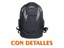 Mochila Bluecase para laptop hasta 15.6 con detalles